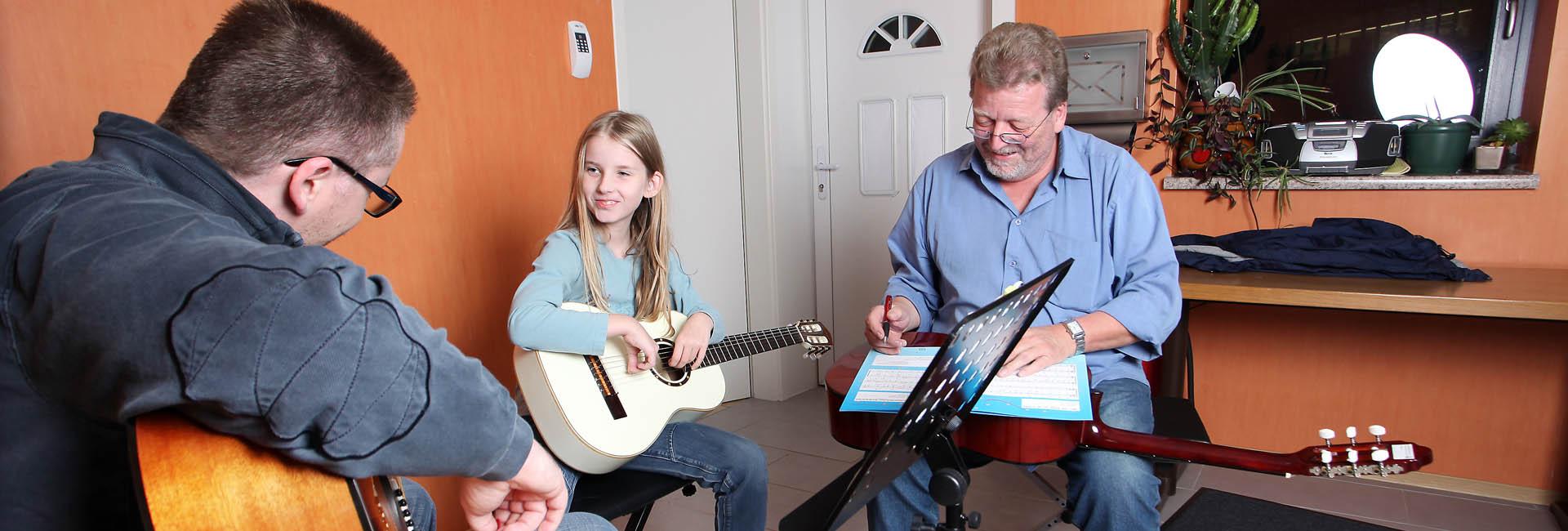 Musikunterricht in Schramberg Gitarre und Klavier